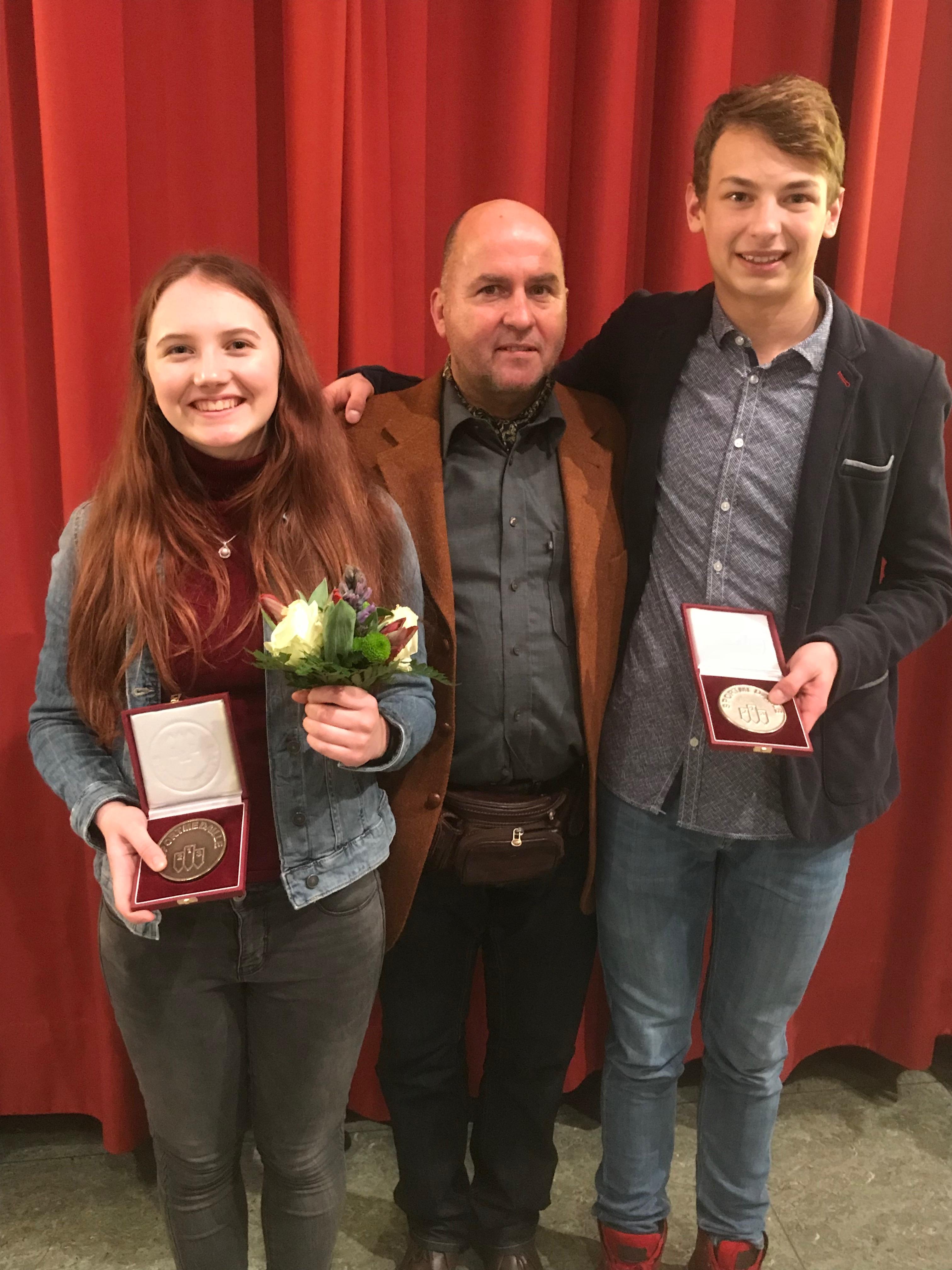 Klara Wirth zur Osten, Michael Zimmermann und Keanu Nagel bei der Sportlerehrung der Stadt Warendorf 2018